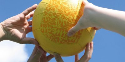 play-volleyball-2-1245987